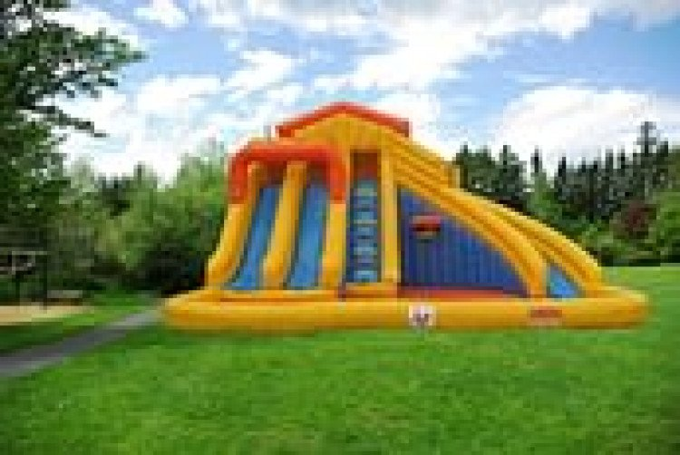 Wet/Dry Bounce Houses